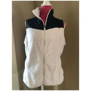 Columbia b/w lightweight zip up vest. Large